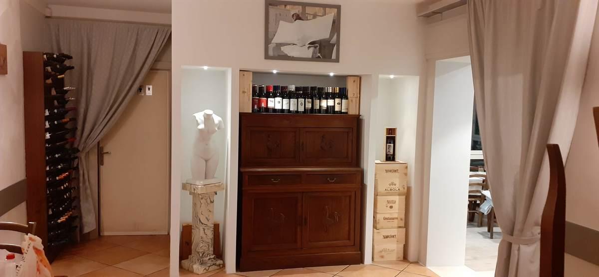 Sala interna - Ristorante La Locanda di Simone - Via Arginvecchio Nord, 655 - Loc. Capezzano Pianore, Camaiore (Lucca)